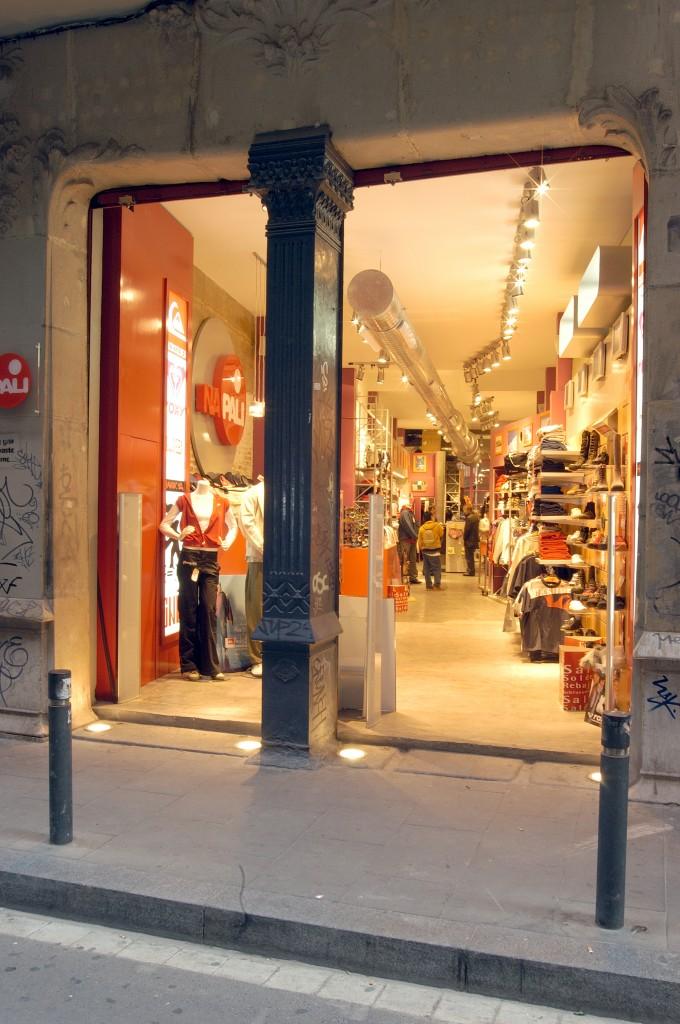 napali-(multi-marques-quik-silver)-barcelone-image-1